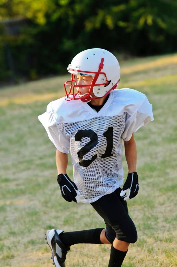 football-player-wearing-mouthguard